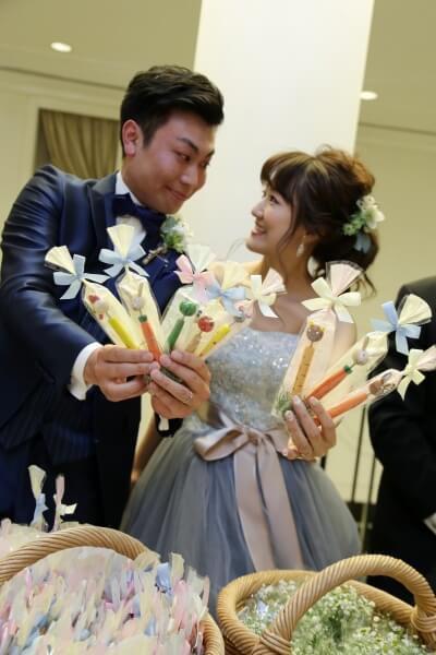 新潟市結婚式場 ブレストン 動物 森 ナチュラル ウェディングケーキ オールドカー シトロエン ゲスト参加型