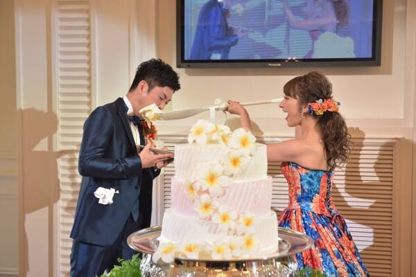 新潟市結婚式場 ブレストン ウェディングケーキ リゾート LEDキャンドル プルメリア