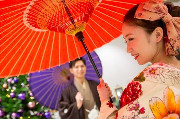 新潟市結婚式場 ブレストン トレーンベアラ トレンベアラ リングボーイ お子様ゲスト チャペル式 ウェルカムアイテム 階段装飾 受付 番傘