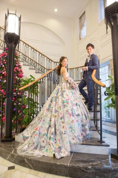 新潟市結婚式場 ブレストン ロビー ウェイティングスペース ウェルカムアイテム ウェルカムグッズ 階段 前撮り