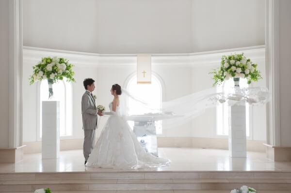 【式場選びで迷ってしまったおふたりへ】結婚式は誰のためにしますか??