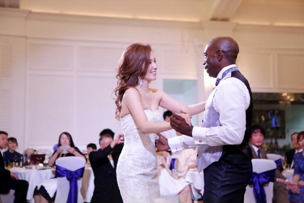 新潟市結婚式場 ブレストン ファーストダンス 演出 海外ウェディング アメリカ ダンス