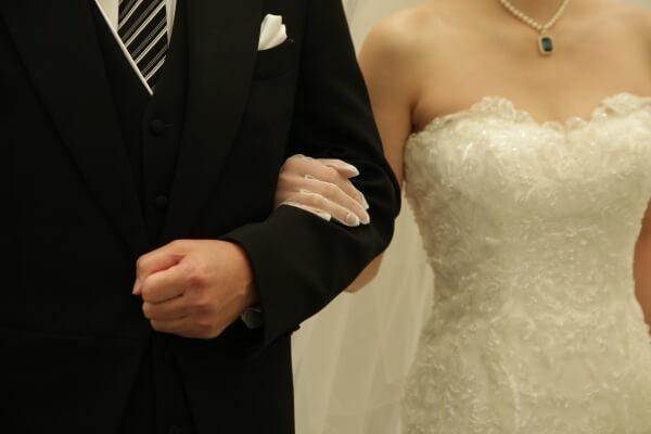 新潟市結婚式場 ブレストン ブライズメイド チャペル式 海外 サプライズ フラワーシャワー レッドカーペット