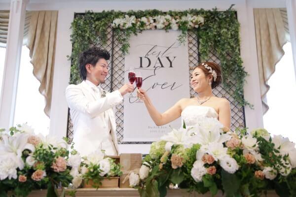 新潟市結婚式場 ブレストン 高砂 コーディネート タペストリー ソファ フラワー