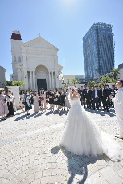 新潟市結婚式場 ブレストン バルーンリリース クイズ 旅行 チャペル式 演出 ゲーム フラワーシャワー