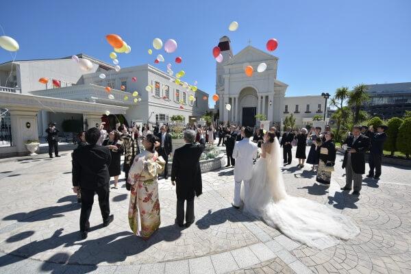 2人の仲よし感伝わる❤At Home Wedding!!【Chapel Ceremony】