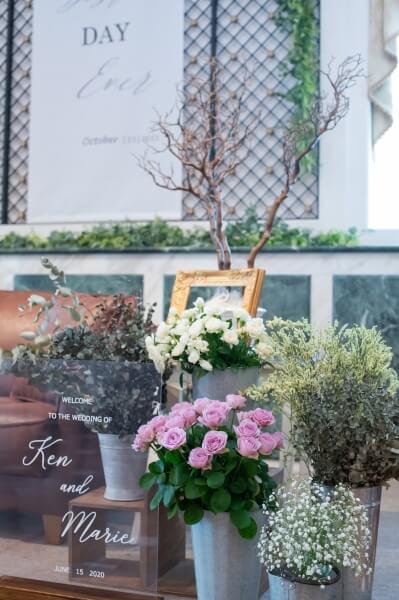 新潟市結婚式場 ブレストン 高砂ソファ ソファメイン メインテーブル フラワーコーディネート ウェディングコーディネート タペストリー ドライフラワー スモークツリー スターチス バラ ローズ 紫陽花 アセボ パンパスグラス